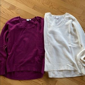 Pair of Gap Sweaters Size XS